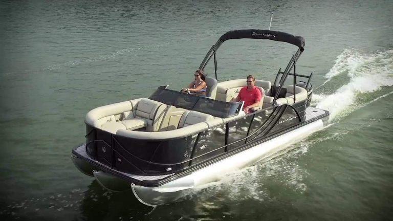 Pontoon Boat Rentals Company in Muskoka